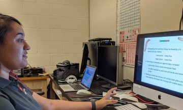 student present a virtual talk